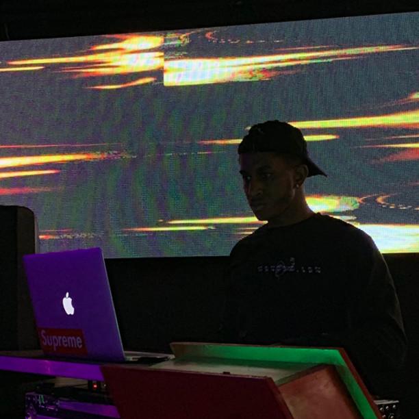 DJ Aveezy